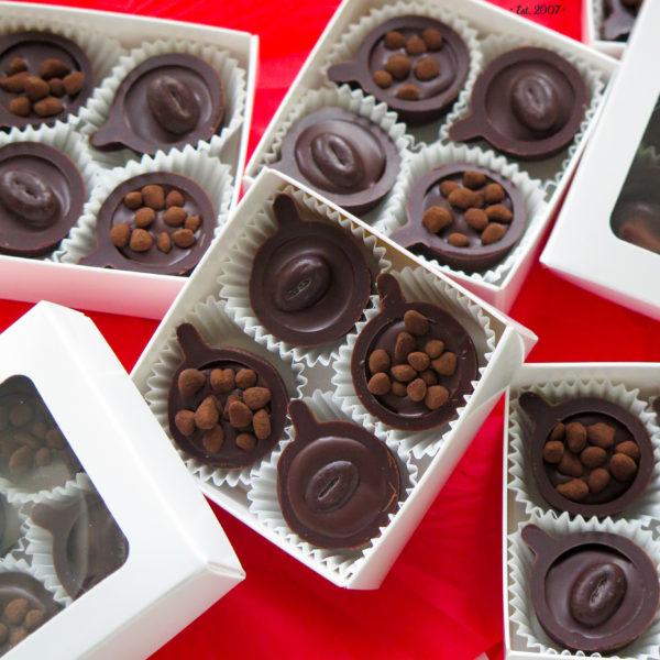 F178 - mini filiżanki, czekoladowe, praliny, dla firm, słodycze firmowe, reklamowe ,personalizowane, słodko w ustach,