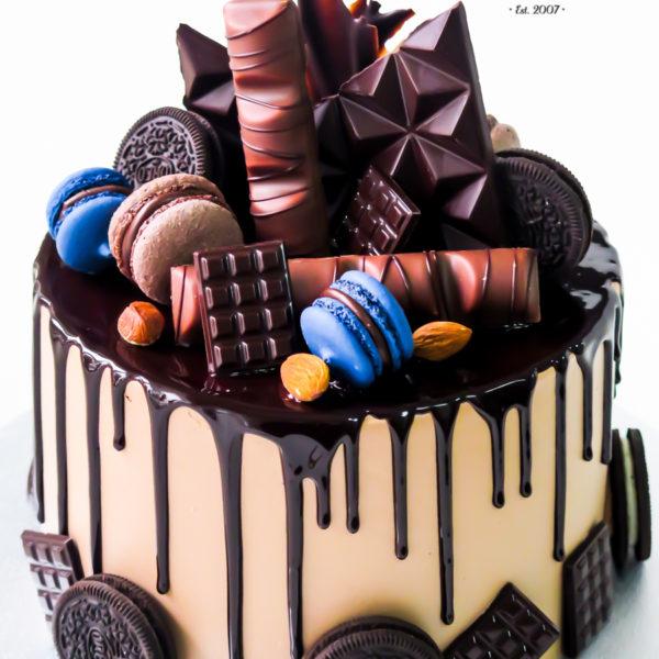 K58 - tort, drip, cake, bez masy cukrowej, męski, dla faceta, oreo, urodzinowy, warszawa, z dostawą, birthday, oblewany, z polewą, czekolada, tort z transportem warszawa, piaseczno, konstancin jeziorna, góra kalwaria