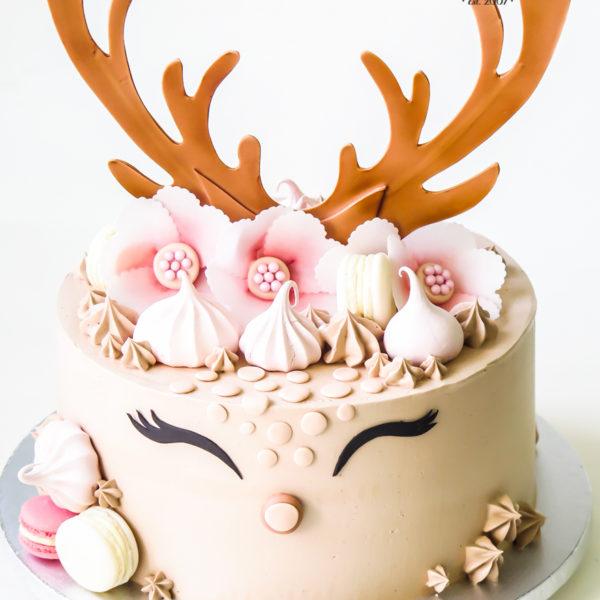 U477 - tort urodzinowy, na urodziny, dla dzieci, artystyczny, jelonek, tort z dostawą, transportem warszawa, piaseczno, konstancin jeziorna, góra kalwaria, polska