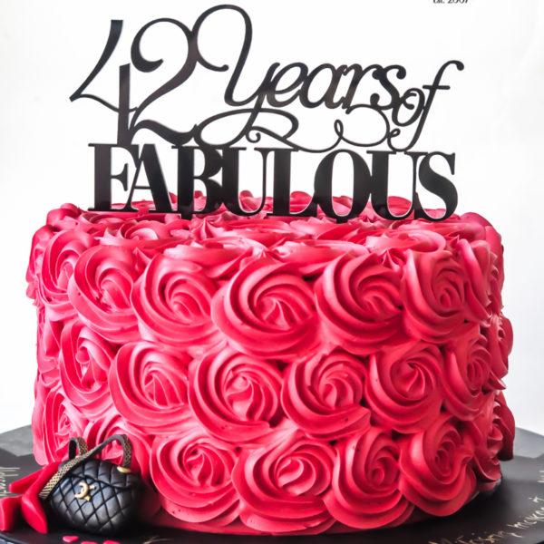 K66 - tort, dla żony, w kremie, cake, bez masy cukrowej, kobiecy, urodzinowy, z dostawą, róże, tort z transportem warszawa, piaseczno, konstancin jeziorna, góra kalwaria, wilanów