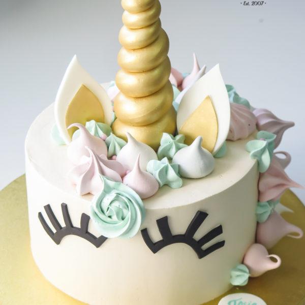 LM76 - tort urodzinowy, na urodziny, jednorożec, w kremie, last minute, na ostatnią chwilę, warszawa, bez masy cukrowej, dla dziewczynki, tort z dowozem, transportem, warszawa, piaseczno, konstancin jeziorna, góra kalwaria, wilanów