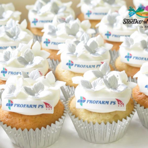 F190 - muffiny firmowe, Profarm PS, cupcakes, babeczki firmowe, dla firm, słodycze firmowe, reklamowe, personalizowane, z logo, warszawa, z dostawą, polska