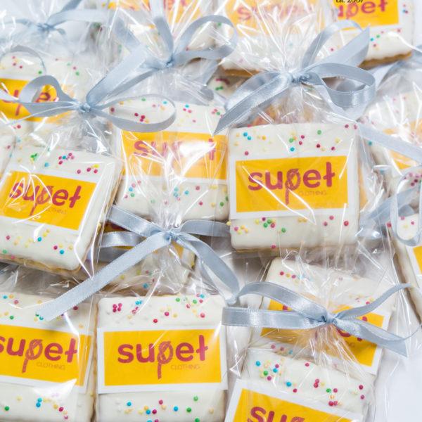 F192 - ciastka firmowe, kruche, dla firm, słodycze firmowe, reklamowe ,personalizowane, supeł, z dostawą, warszawa, polska