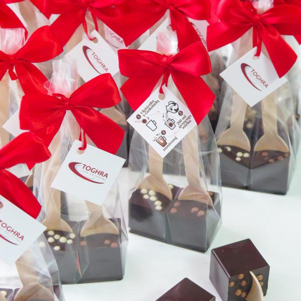 F55 - czekoladowe łyżeczki, do mleka, łyżeczki z czekoladą, dla firm, słodycze firmowe, reklamowe, personalizowane, z logo, warszawa, świąteczne, prezenty, z dostawą, event,