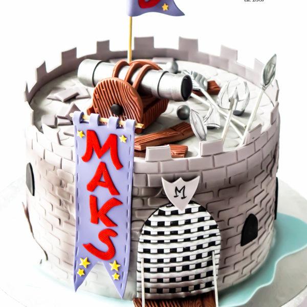 U552 - tort urodzinowy, na urodziny, dla dzieci, artystyczny, dla chłopca, zamek rycerski, mały rycerz , tort z dostawą, transportem warszawa, piaseczno, konstancin jeziorna, góra kalwaria, polska