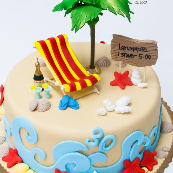 U579 - tort urodzinowy, na urodziny, artystyczny, plaża, morze, leżak, palmy, tort z dostawą, transportem warszawa, piaseczno, konstancin jeziorna, góra kalwaria, polska