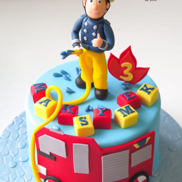 U607 - tort urodzinowy, na urodziny, dla dzieci, artystyczny, straż pożarna, strażak, sam, strażacki, tort, cukiernia, pracownia cukiernicza, z dostawą, transportem warszawa, piaseczno, konstancin jeziorna, góra kalwaria, polska