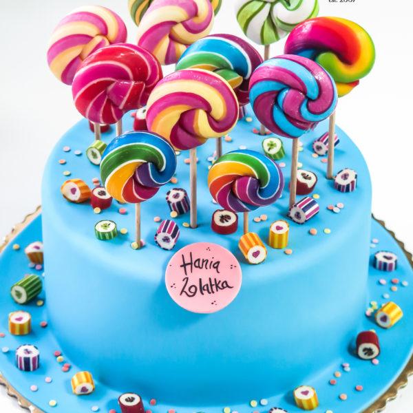 U616 - tort urodzinowy, na urodziny, dla dzieci, artystyczny, lizaki, kolorowy, manufaktura cukierków, tort, cukiernia, pracownia tortów, z dostawą, transportem, dowozem, warszawa, piaseczno, konstancin jeziorna, góra kalwaria, polska