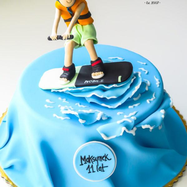 U618 - tort urodzinowy, na urodziny, dla dzieci, artystyczny, wakeboard, tort, cukiernia, pracownia cukiernicza, z dostawą, transportem warszawa, piaseczno, konstancin jeziorna, góra kalwaria, polska