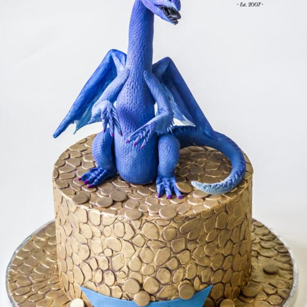 U627 - tort urodzinowy, na urodziny, dla dzieci, artystyczny, smok, złoto, smaug, tort, cukiernia, pracownia tortów, z dostawą, dowozem, transportem warszawa, piaseczno, konstancin jeziorna, góra kalwaria, polska