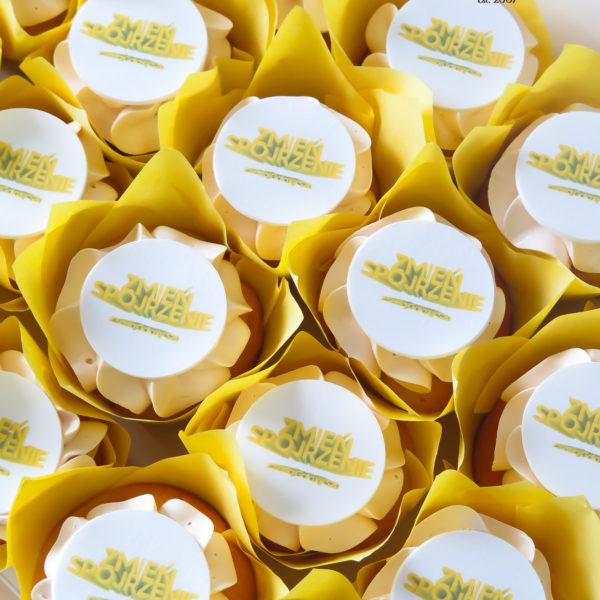 F232 - muffiny firmowe, cupcakes, babeczki firmowe, dla firm, słodycze firmowe, reklamowe, personalizowane, z logo, warszawa, z dostawą, polska