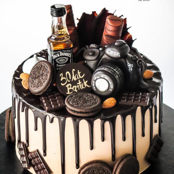 K140 - tort, jack daniels, whiskey, dla fotografa, z aparatem, męski, dla faceta, bez masy cukrowej, w kremie, urodzinowy, z dostawą, tort z transportem, dostawą, cukiernia, warszawa, piaseczno, konstancin jeziorna, góra kalwaria, wilanów, otwock