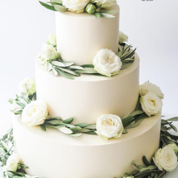 S77 - tort na ślub, wesele, ślubny, weselny, artystyczny, elegancki, wyjątkowy, piętrowy , bez masy cukrowej, z kwiatami, warszawa, z dostawą, transportem, cukiernia, piaseczno, konstancin jeziorna, otwock,