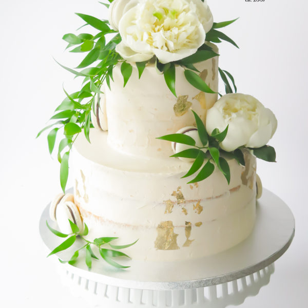 S81 - tort na ślub, wesele, ślubny, weselny, artystyczny, elegancki, wyjątkowy, złocony, ze złotem, piętrowy , bez masy cukrowej, z kwiatami, warszawa, z dostawą, transportem, cukiernia, piaseczno, konstancin jeziorna, otwock,