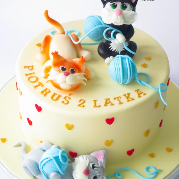 U710 - tort urodzinowy, na urodziny, artystyczny, wyjątkowy, z kotkiem, kot, najlepsze, najpiękniejsze, torty,cukiernia z dostawą, transportem, dowozem, warszawa, piaseczno, konstancin jeziorna, góra kalwaria, otwock