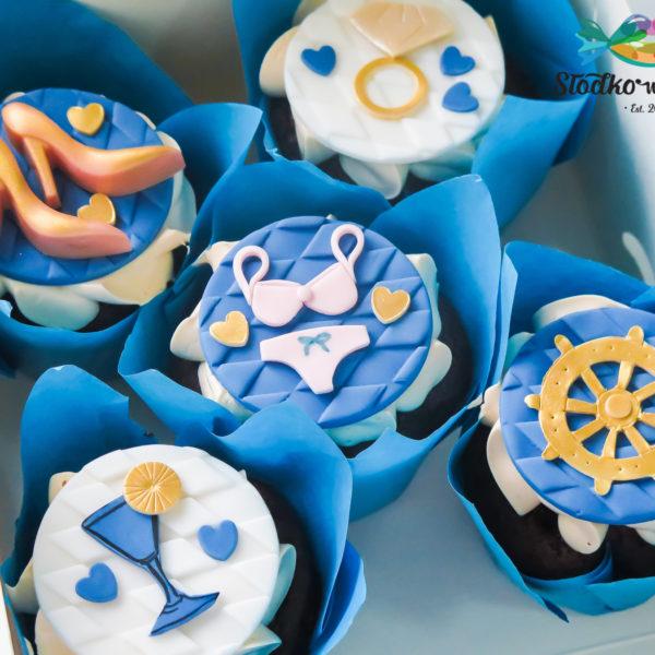 C188 - cupcakes, muffiny, urodzinowe, wieczór panieński, słodki stół, kącik, candy, bar , urodziny, personalizowane, z dostawą, prezenty, warszawa, piaseczno, konstancin jeziorna,