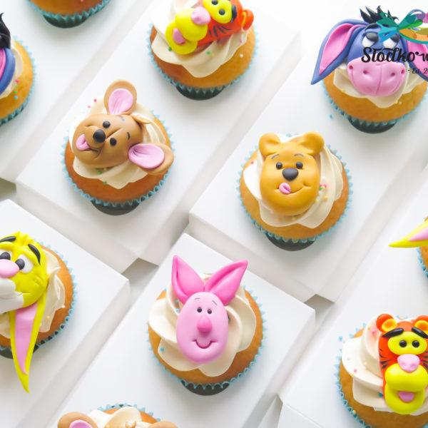 C225 - cupcakes, muffiny, urodzinowe, kubuś puchatek, słodki stół, kącik, candy, bar , urodziny, personalizowane, z dostawą, prezenty, warszawa, piaseczno, konstancin jeziorna, polska,