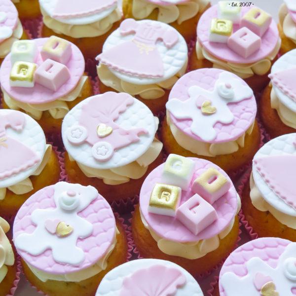 C229 - cupcakes, muffiny, baby shower, chrzciny, słodki stół, kącik, candy, bar , urodziny, personalizowane, z dostawą, prezenty, warszawa, piaseczno, konstancin jeziorna, polska,