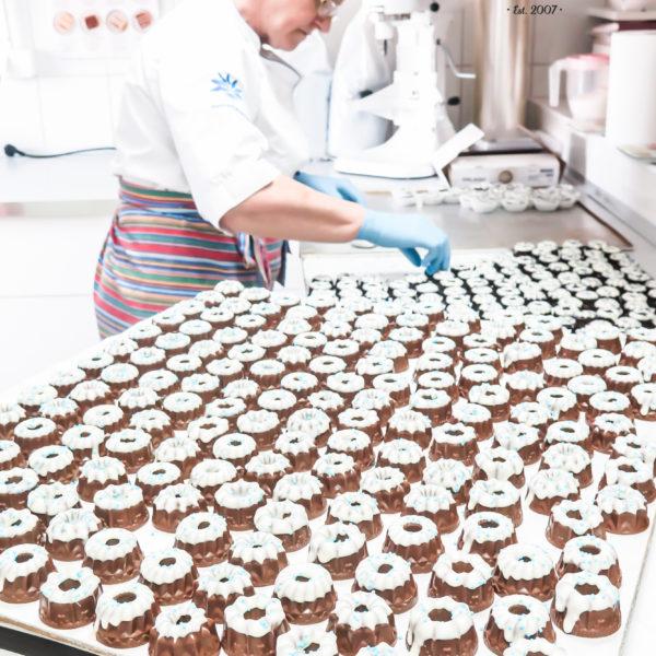 C240 - baby wielkanocne, figurki czekoladowe, dla firm, słodycze firmowe, reklamowe , personalizowane, wielkanoc, warszawa, polska, z logo