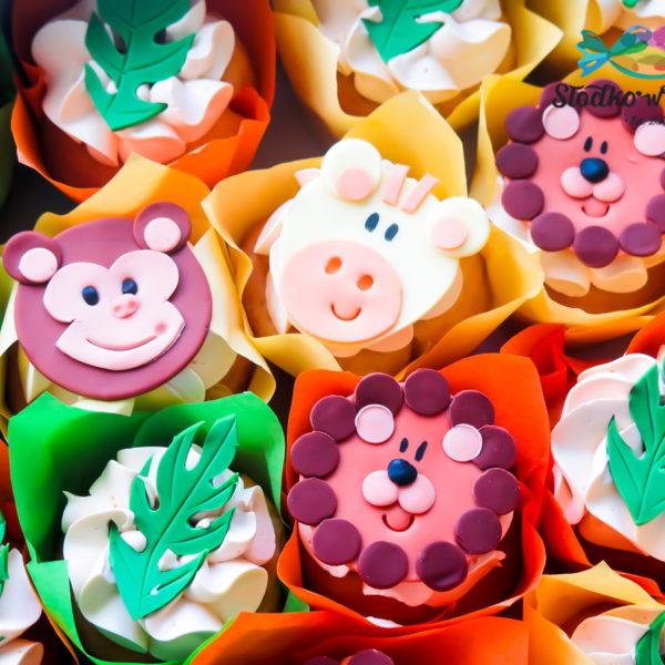 C280 - cupcakes, muffiny, urodzinowe, zwierzaki, lew, małpka,, słodki stół, kącik, candy, bar , urodziny, personalizowane, z dostawą, prezenty, warszawa, piaseczno, konstancin jeziorna, polska,