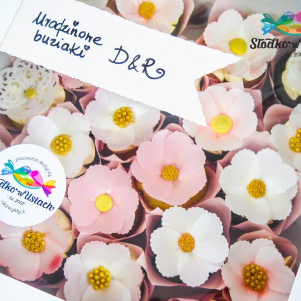 C293 - cupcakes, muffiny, urodzinowe, kwiaty, słodki stół, kącik, candy, bar , urodziny, personalizowane, z dostawą, prezenty, warszawa, piaseczno, konstancin jeziorna, polska,