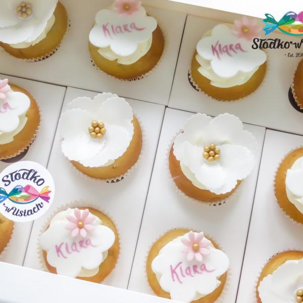 C308 - cupcakes, muffiny, urodzinowe, wesele, ślub, kwiaty, słodki stół, kącik, candy, bar , urodziny, personalizowane, z dostawą, prezenty, warszawa, piaseczno, konstancin jeziorna, polska,