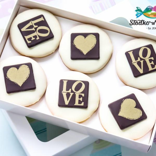 C314 - ciastka, kruche, urodzinowe, ślubne, weselne, walentynki, prezenty, dla gości, w czekoladzie, dzień kobiet, słodki stół, kącik, candy, bar , warszawa, z dostawą, polska