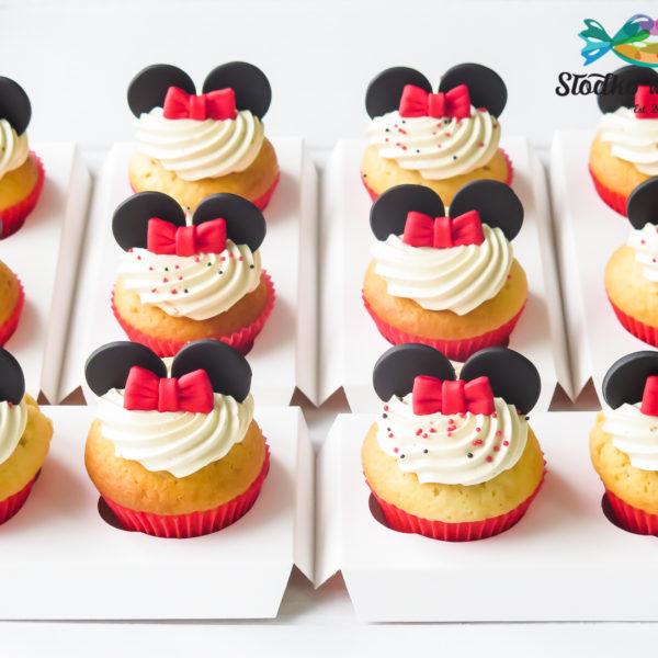 C320 - cupcakes, muffiny, urodzinowe, myszka minnie, słodki stół, kącik, candy, bar , urodziny, personalizowane, z dostawą, prezenty, warszawa, piaseczno, konstancin jeziorna, polska,